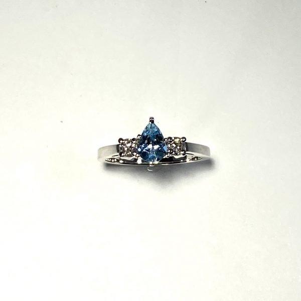 Aquamarine & Diamond Ring top